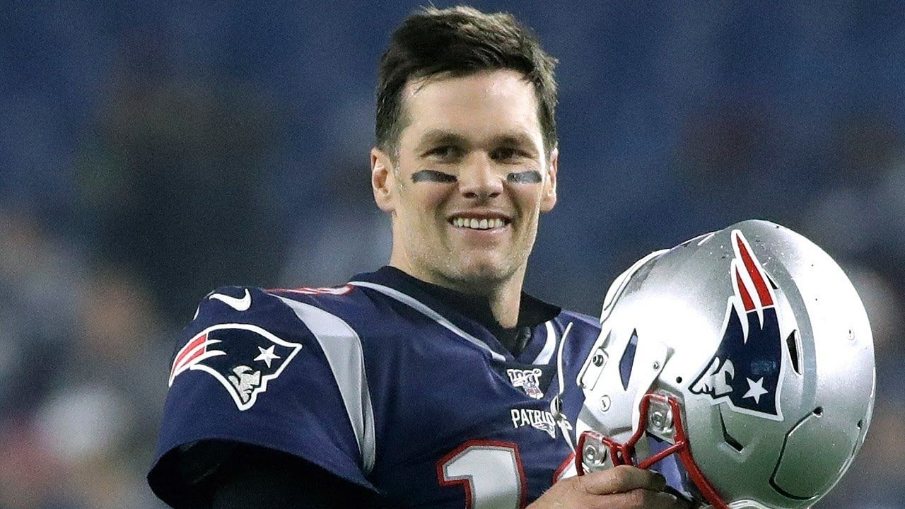 Tom Brady Signs With Buccaneers In 2020 Tom Brady Nfl Tom Brady Buccaneers