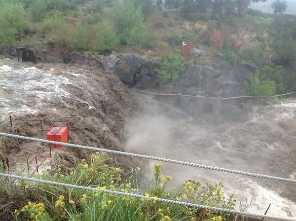 flood in loveland colorado | Colorado flood: Road collapse strands people in Big Thompson Canyon ...
