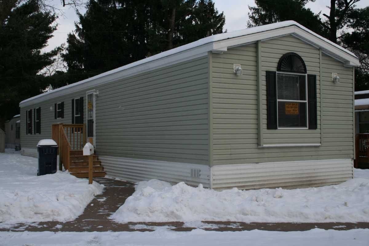 2014 ADVENTURE Mobile / Manufactured Home in Fridley, MN