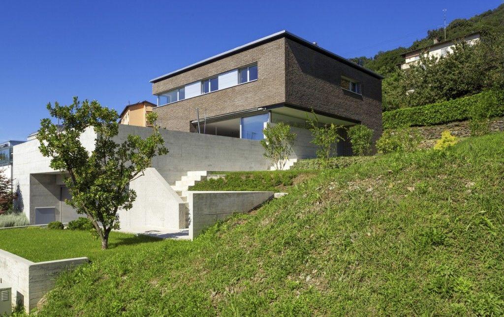 Construire sur un terrain en pente  ce quu0027il faut savoir - construction maison terrain en pente