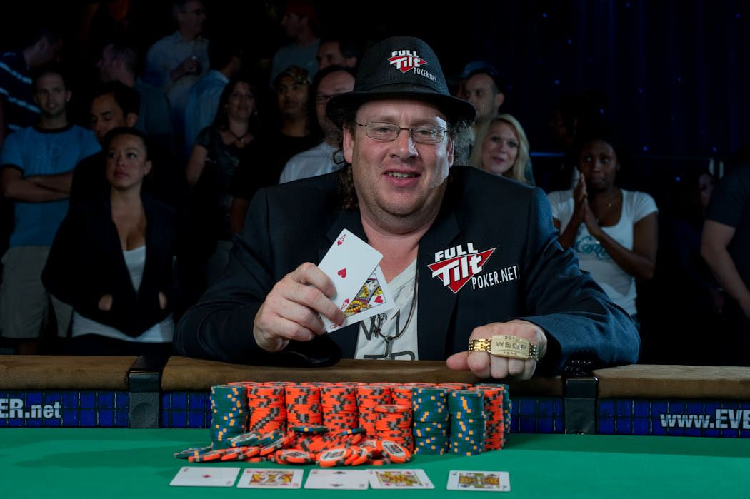 Gavin Smith picks up $268,238 for winning the mixed limit/no limit Hold'em Event