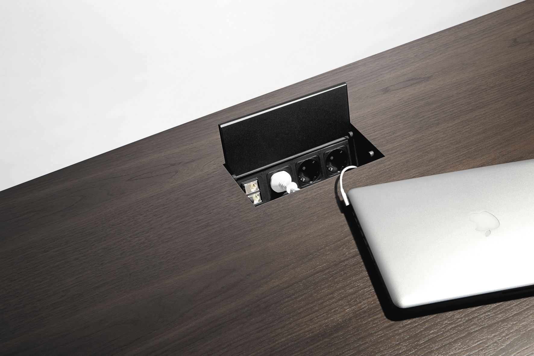 Besprechungstisch Modern Aluminium Integrierter Steckdose Star By Jehs Laub Renz Tisch Steckdosen Besprechung