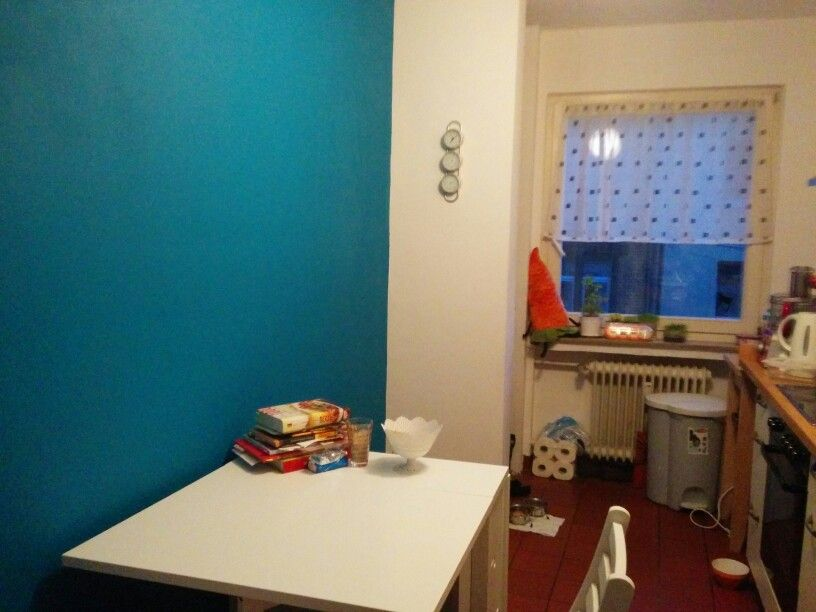 Kitchen Makeover With A Turquoise Wall Lovely Color Gives The Room A New Face The Color Is Called Lagune From The German Company Schoner Wohnen