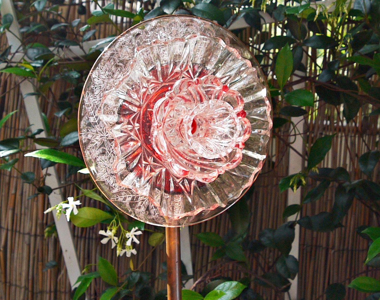 PINK GLASS Yard Art, Glass Garden Plate Flower, Suncatcher, Garden Glass  Art,