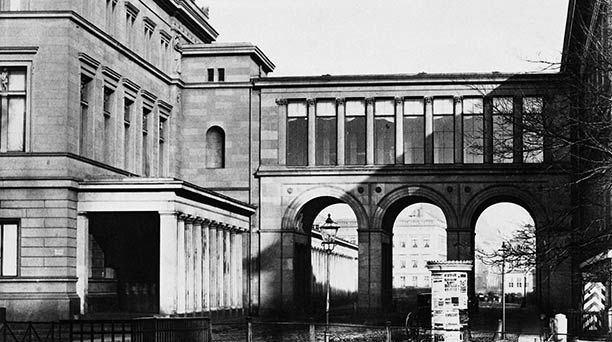 Berlin Mitte Museumsinsel Former Connection Between The Neues Museum And The Altes Museum 1856 Berlin Museum Promenade