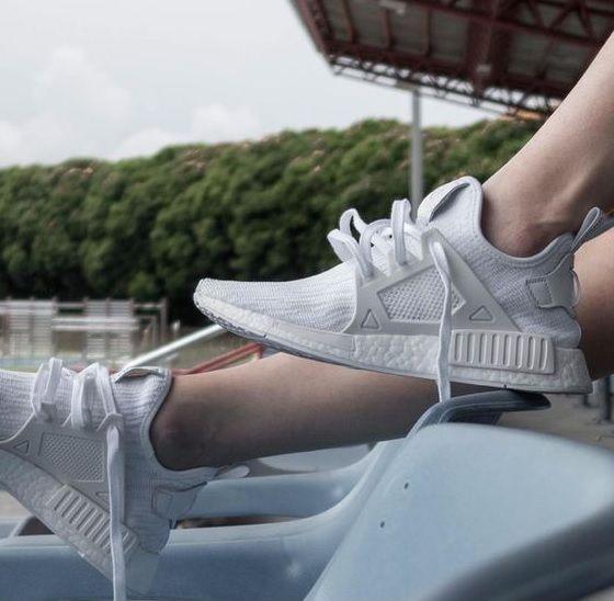 df613da2fca Zapatillas Adidas Originals NMD XR1 PK para chica total white ...