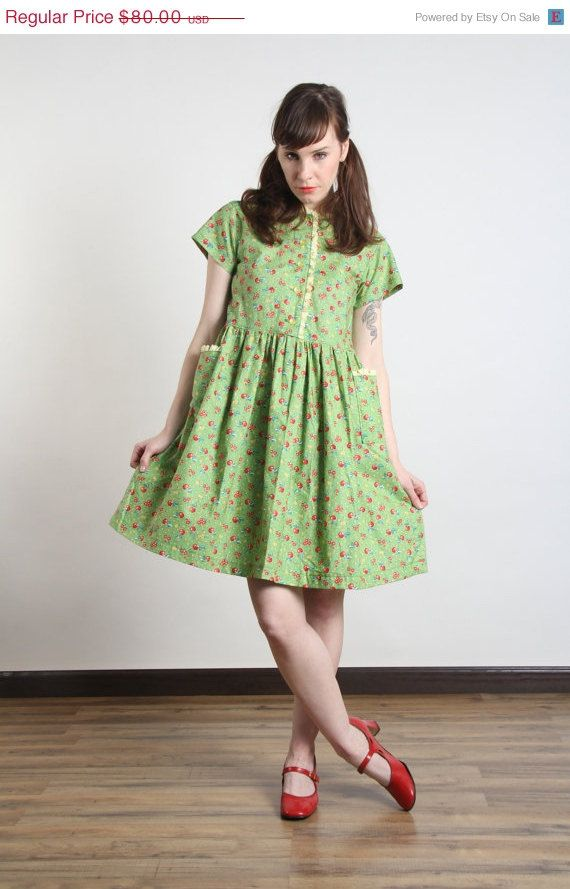 ON SALE NOW Green Floral Dress . Apple Print by VeraVague on Etsy ... 087e45491