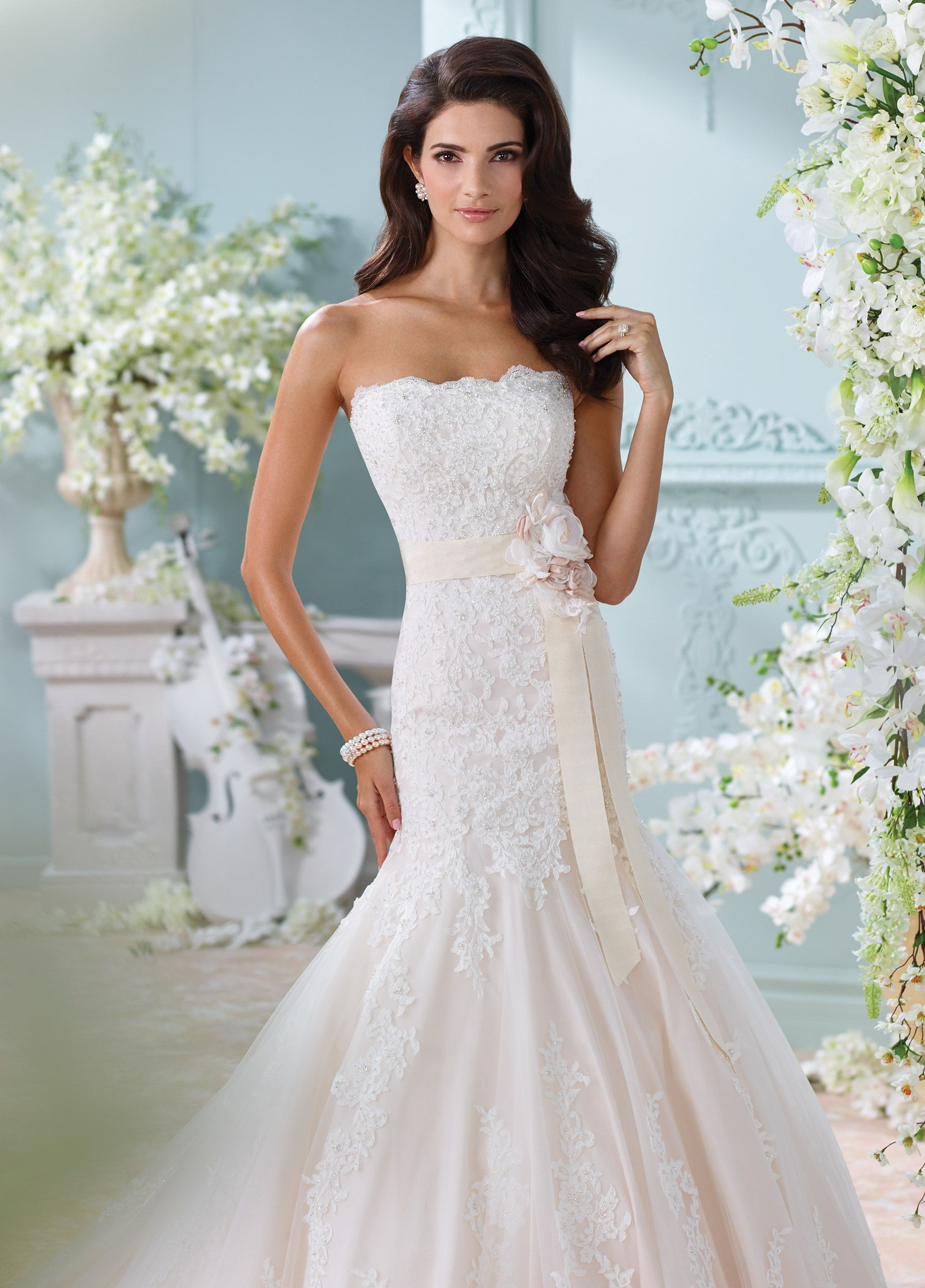 Wedding dress with bow on back  Strapless HandBeaded Lace Trumpet Wedding Dress Thea