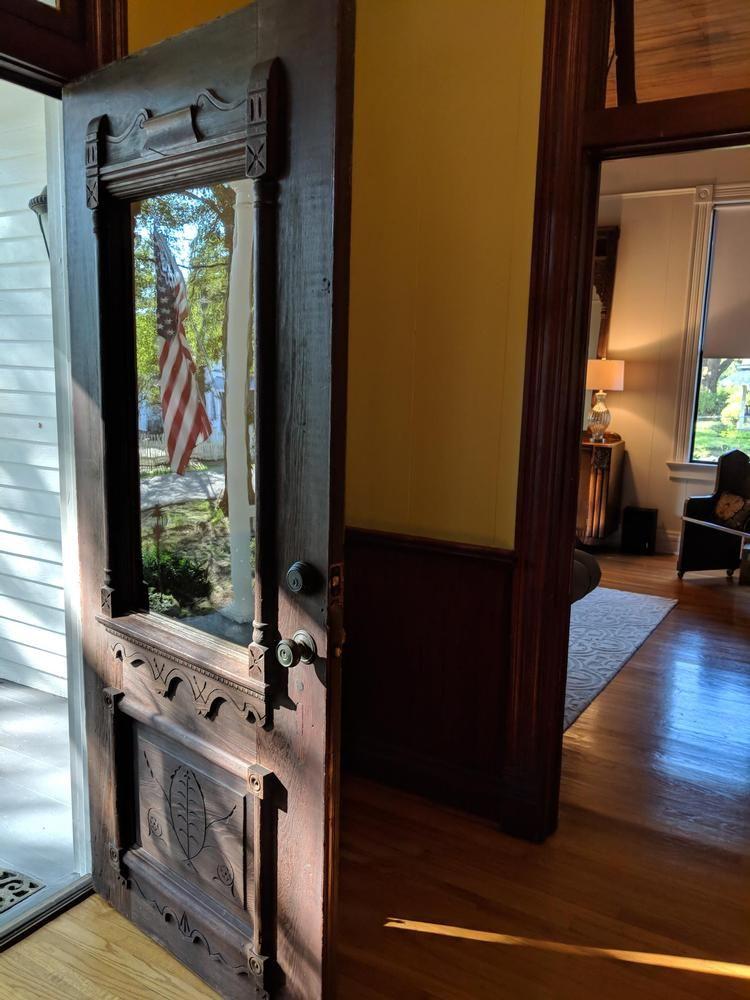 C 1900 Victorian Queen Anne For Sale In Jackson Louisiana Oldhouses Com Victorian Homes Historic Home Victorian Door
