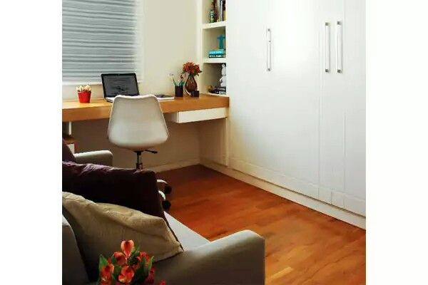 Quarto hóspede com escritório planejado - sofá cama