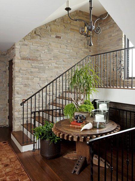 escaleras con paredes de piedra decoraci n hogar ideas