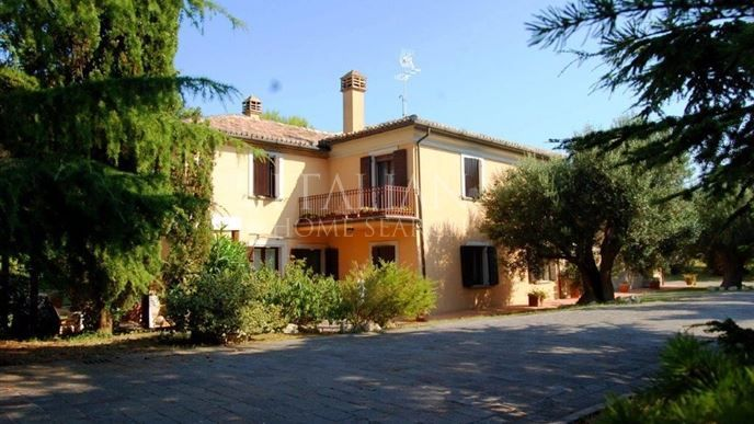 Looking for a #house to restore in #Ancona, #Marche?