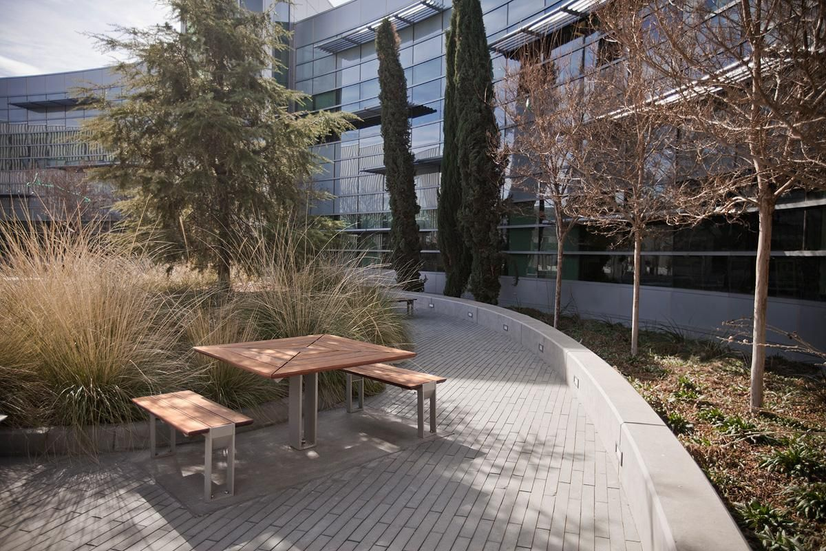 Two Story 93 000 Sf Los Angeles Valley College Library And Academic Resource Center San Fernando Vall Valley College College Library Colleges And Universities
