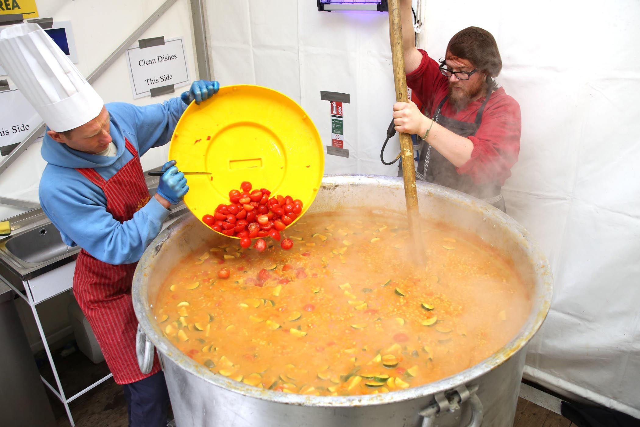Enormous pot