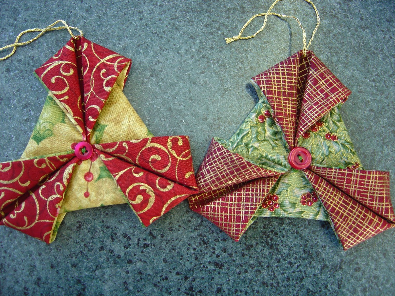 Folded fabric christmas ornaments patterns - Katrina S Tutorials Fabric Ornament Number One Folded Fabric Ornamentsquilted Ornamentschristmas