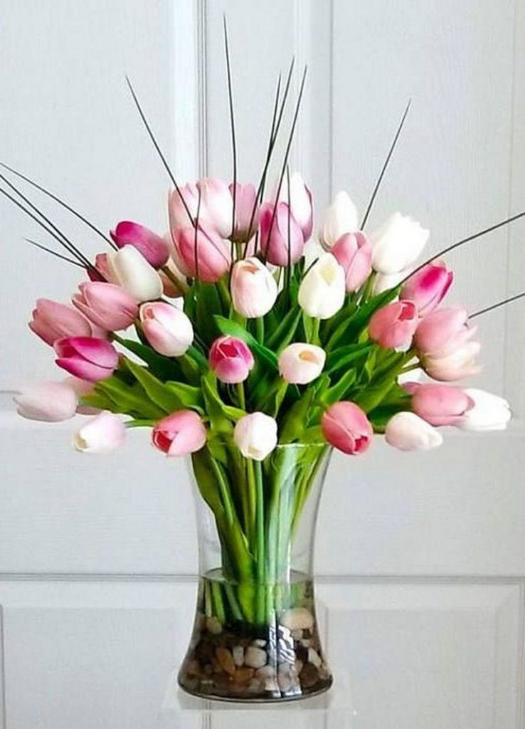 40 Beautiful And Lovely Diy Tulip Arrangement Ideas Page 41 Of 41 Tulips Arrangement Flower Arrangements Diy Tropical Flower Arrangements