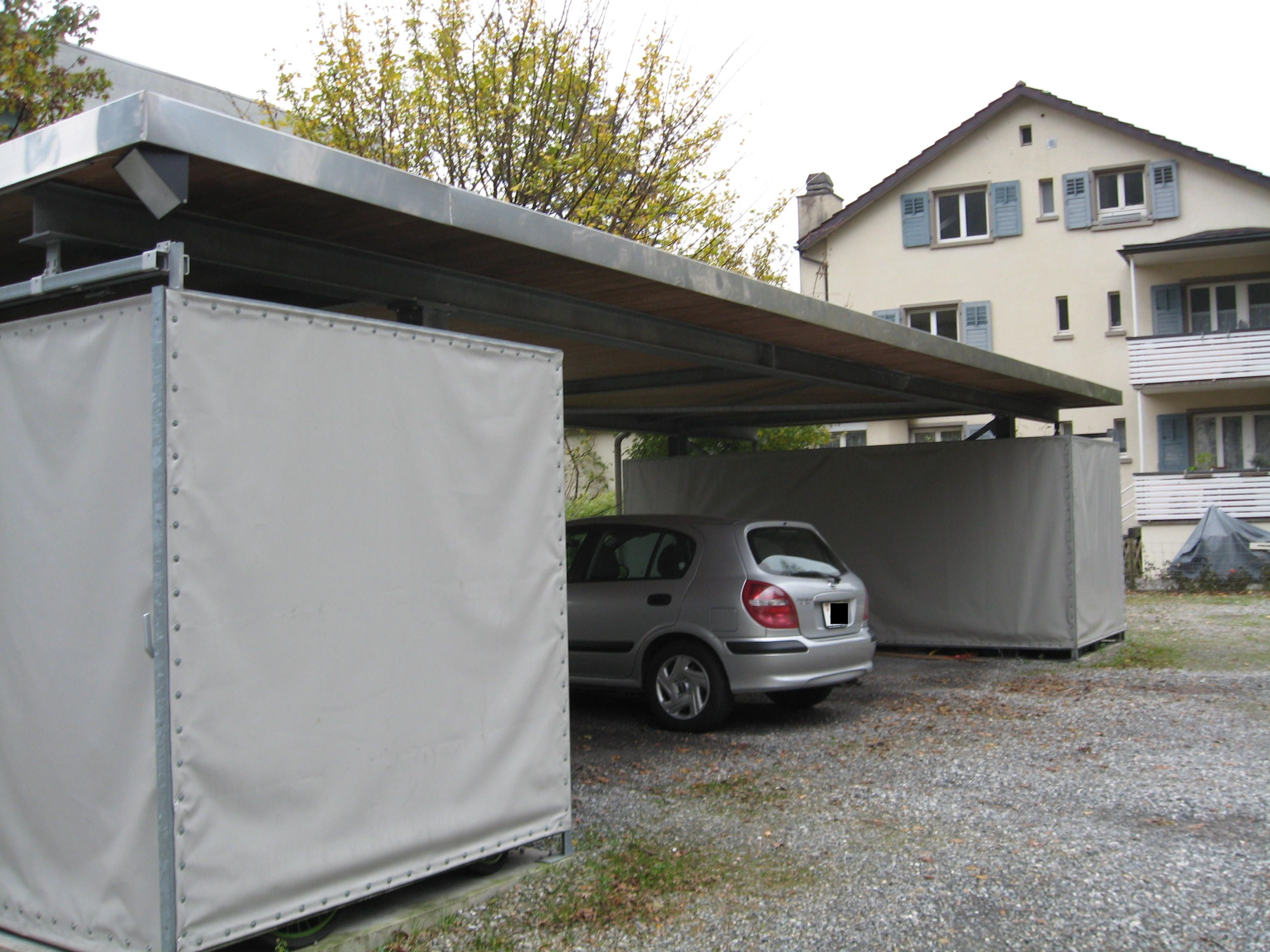 flachdach carport aus stahl mit 2 ger teschuppen f r 3 autos carport flachdach. Black Bedroom Furniture Sets. Home Design Ideas