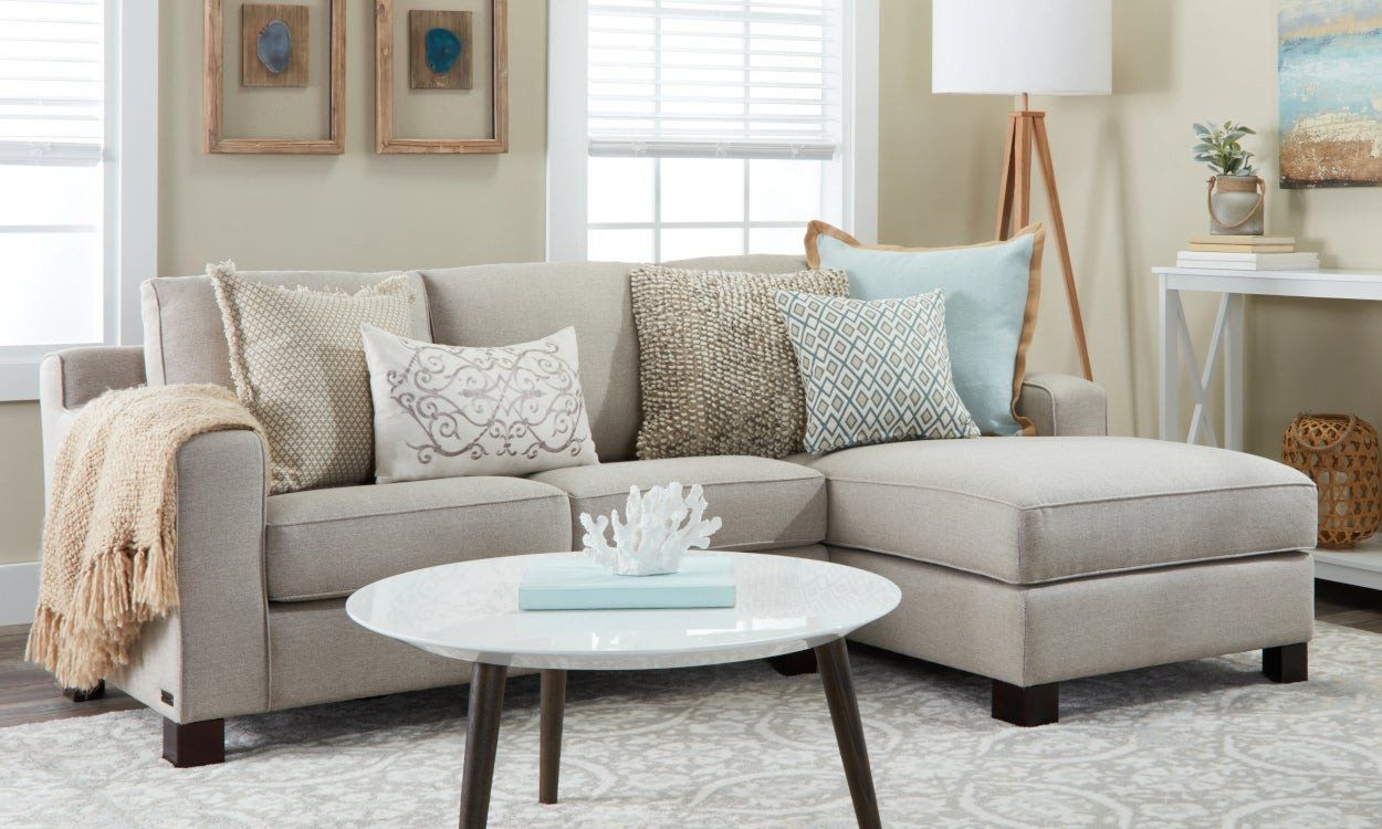 28 Small Living Room Ideaswith Sectionals In 2020 Couches For
