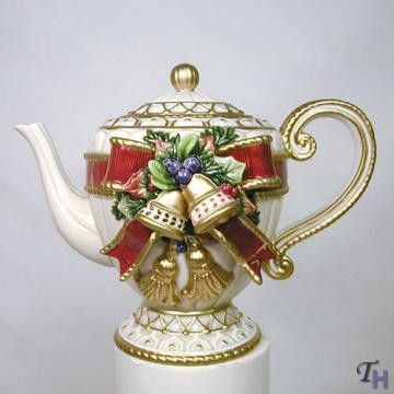 CHRISTMAS TEAPOT by Fitz and Floyd Red  Gold Bow w Bells  Berries