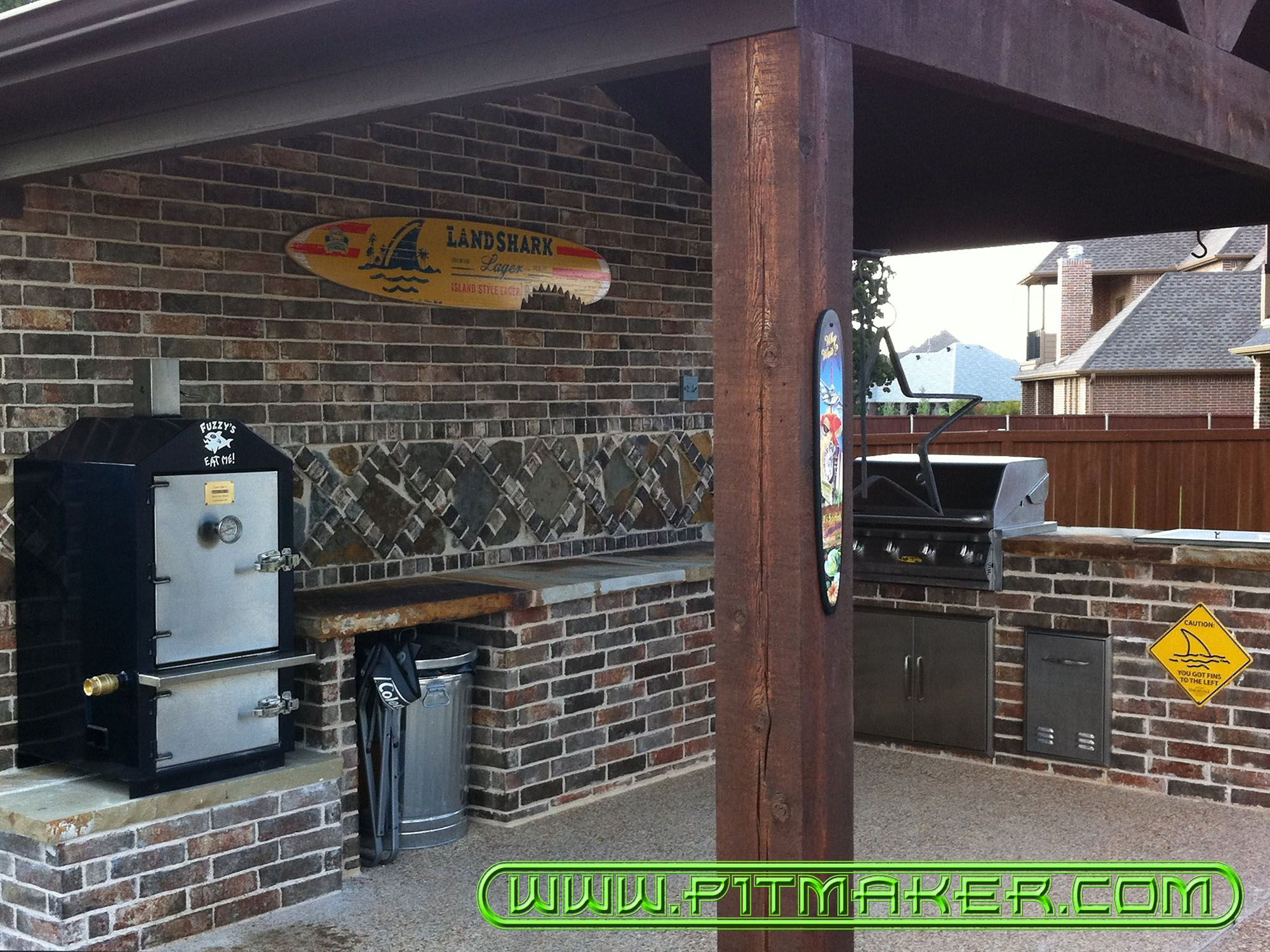 pitmaker in houston texas 800 299 9005 281 359 7487 in 2020 build outdoor kitchen on outdoor kitchen with smoker id=30411