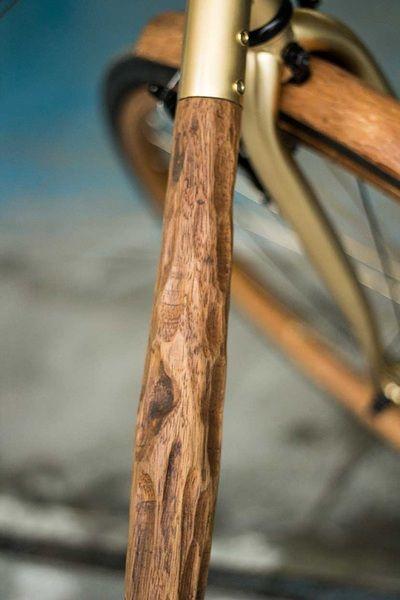 La mia bicicletta di legno - Wooden bike - in legno di iroko, pelle e metallo placato oro. Www.LucianoPaladini.it - biciscultura