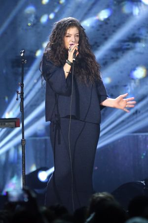 The Latest Reason This Year's Grammys Are Gonna Be the Best? Lorde's Performing Live