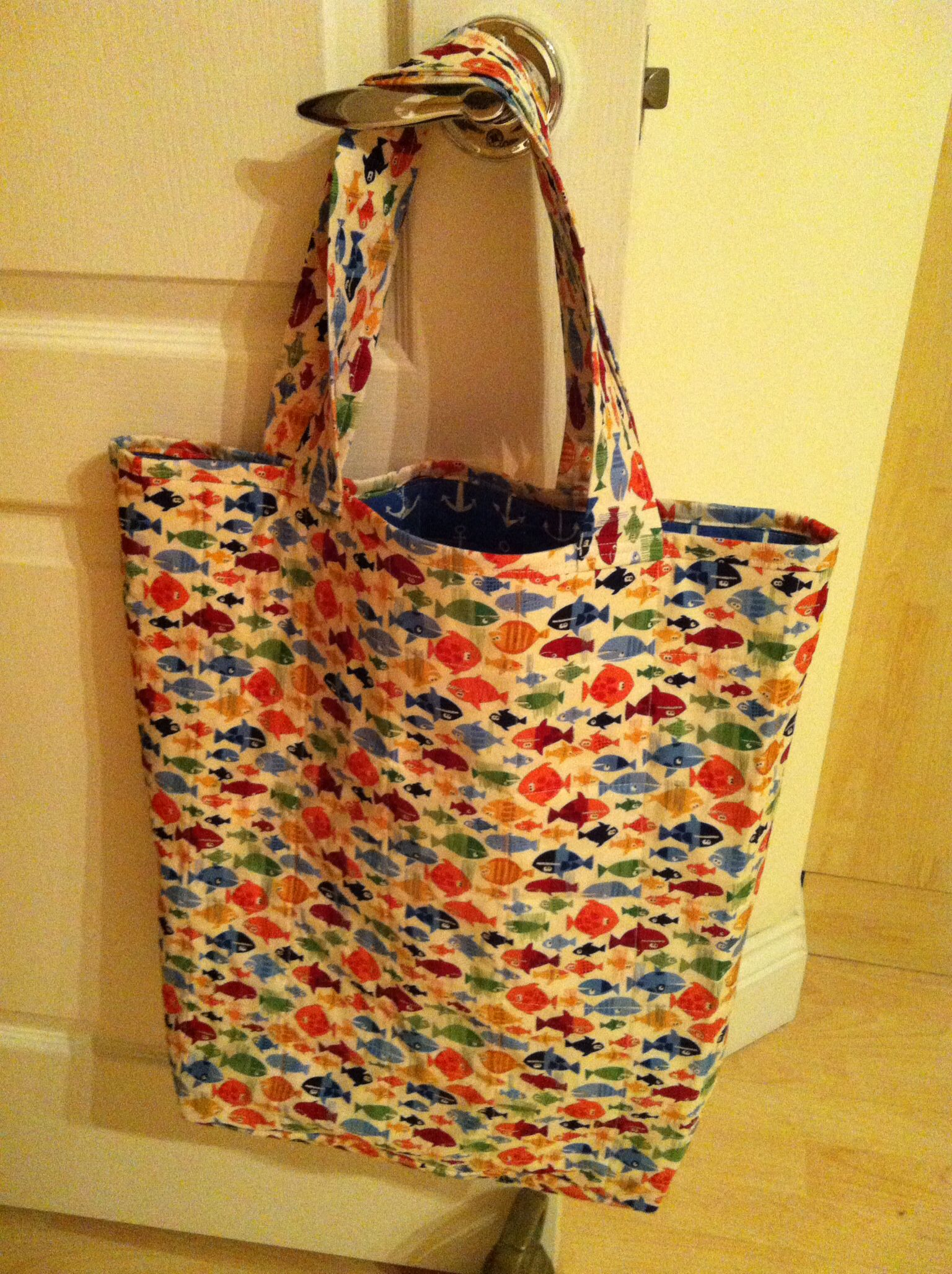 Quilted beach bag, pattern and fabric from the Bramble Patch ...
