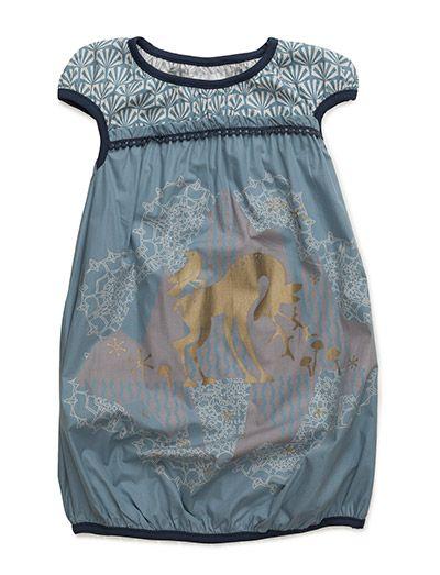 Køb Phister & Philina Meadow Pop Dress (Faded Denim) hos Boozt.com. Vi har…