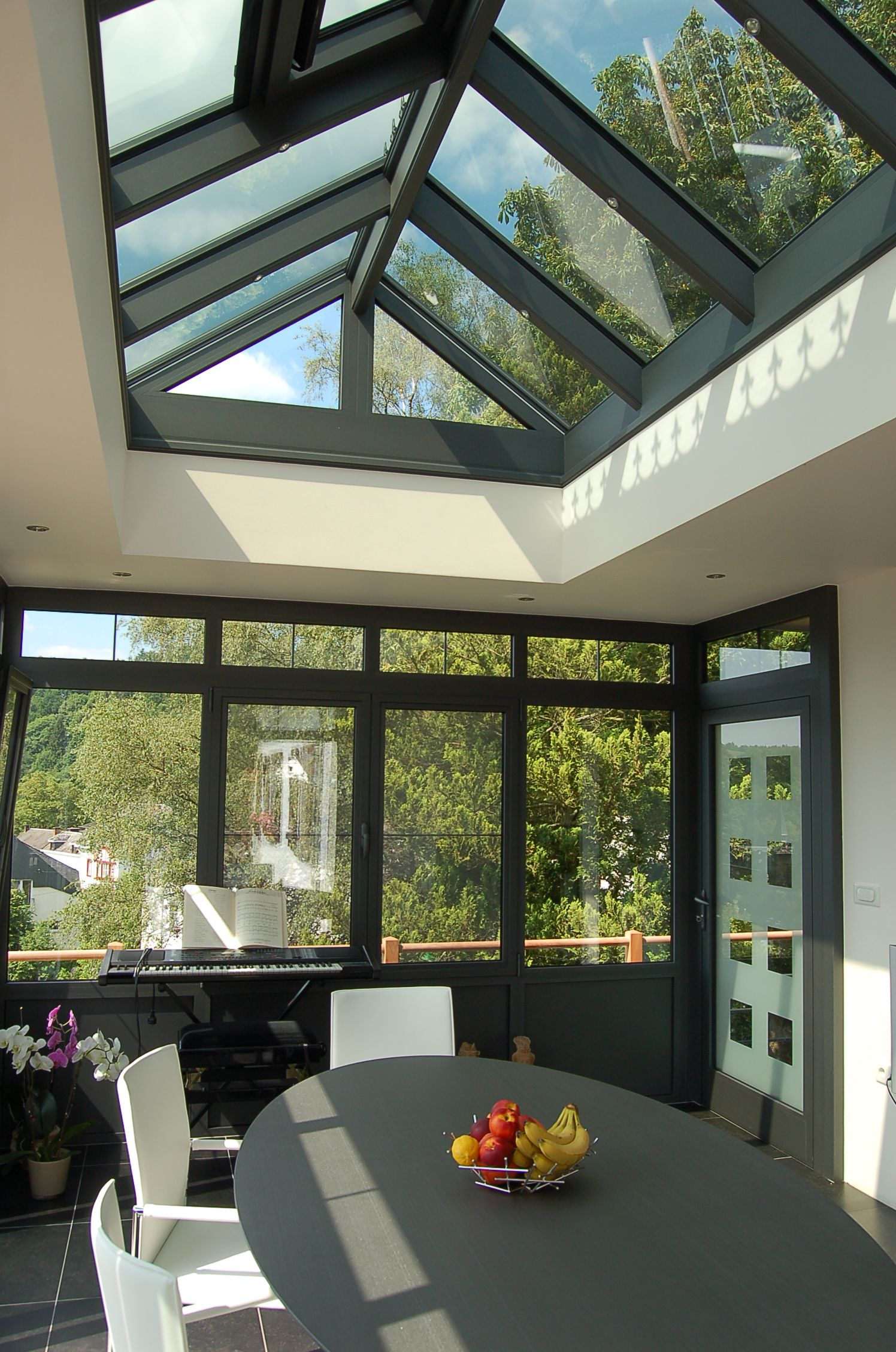 Veranda Puit De Lumiere toiture plate et puits de lumière pour une véranda
