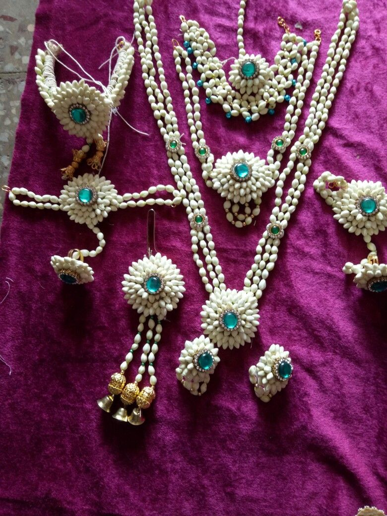 Haldi jwallares Wedding flower jewelry, Fresh flower