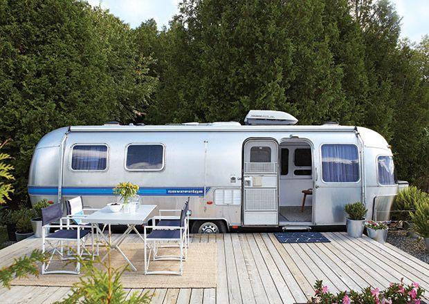 photos caravane airstream et camping styl photos terrasses et plateforme. Black Bedroom Furniture Sets. Home Design Ideas