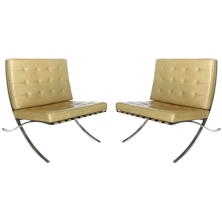 pair of knoll original mies van der rohe barcelona chairs label
