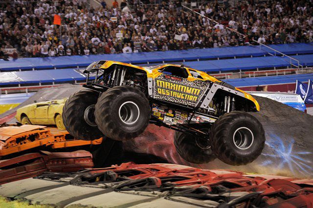 The 2012 Monster Jam Series A Year In Review And 2013 Improvements Monster Trucks Monster Jam Tickets Big Monster Trucks Bigfoot monster truck wallpaper