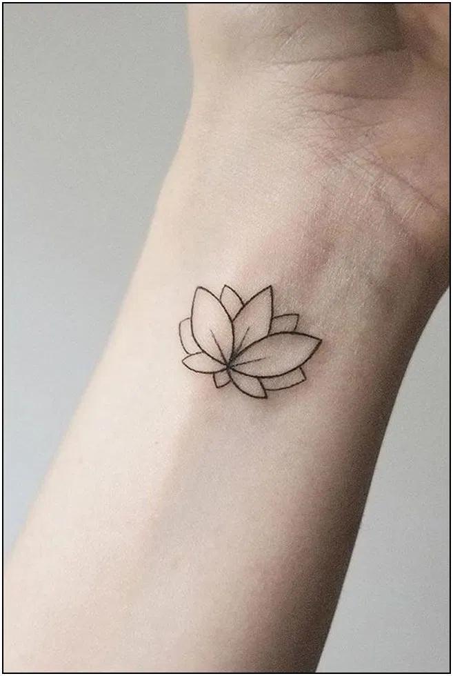 136 Trendy Tattoo Ideas Female Side Ideas 92 Cynthiapina Me In 2020 Lotus Tattoo Wrist Small Lotus Flower Tattoo Simple Lotus Tattoo