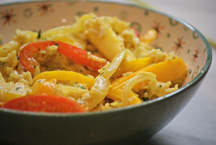 Riz aux poivrons, pomme, curry et lait de coco