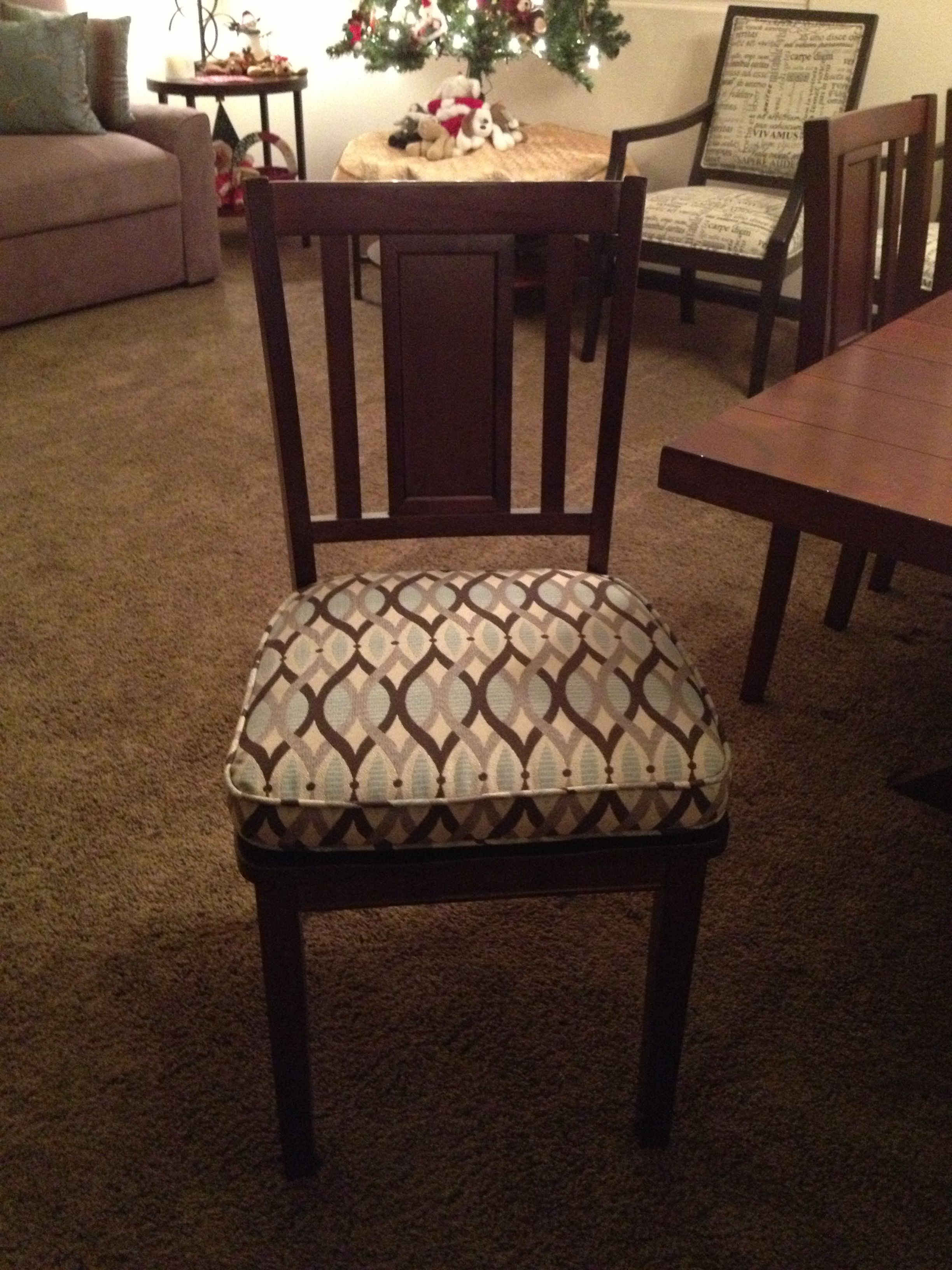 Charmant Reupholstered Dining Chairs With A Repeat Pattern Fabric And Piping.