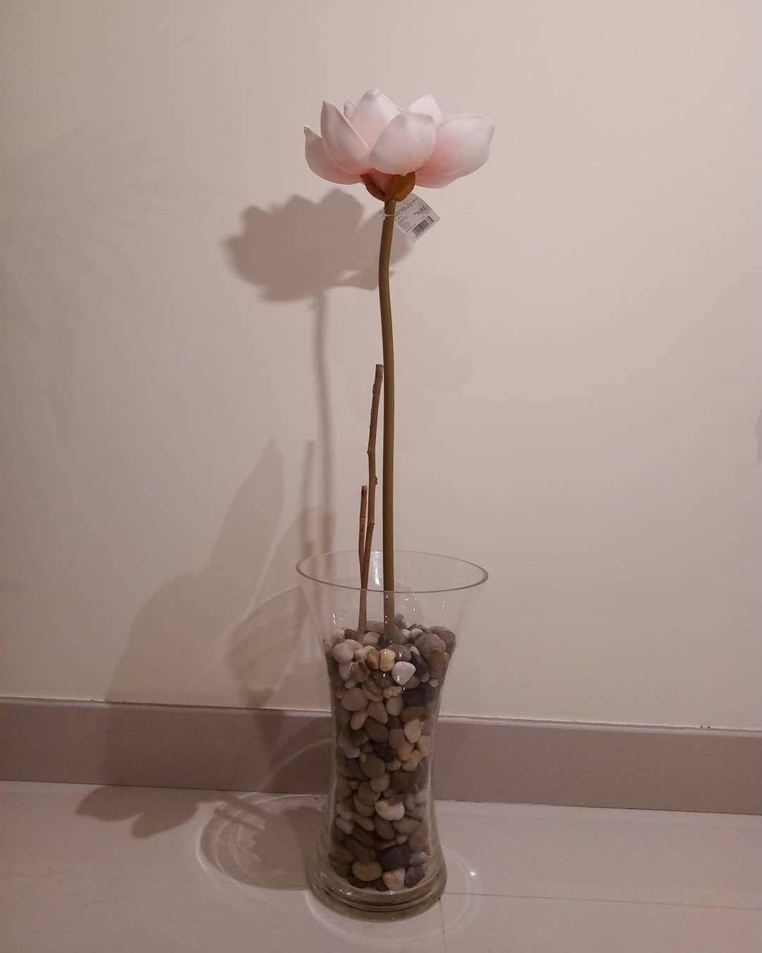 35 ريالا بلا رسوم توصيل Decor ديكور يكور ازهار زهر وردي وردية Pink Flowers نباتات نبات صناعي ورود حديقة بيت صاله In 2020 Glass Vase Decor Vase