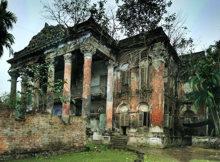 The Forbidden Mansion Located Near Calcutta In India