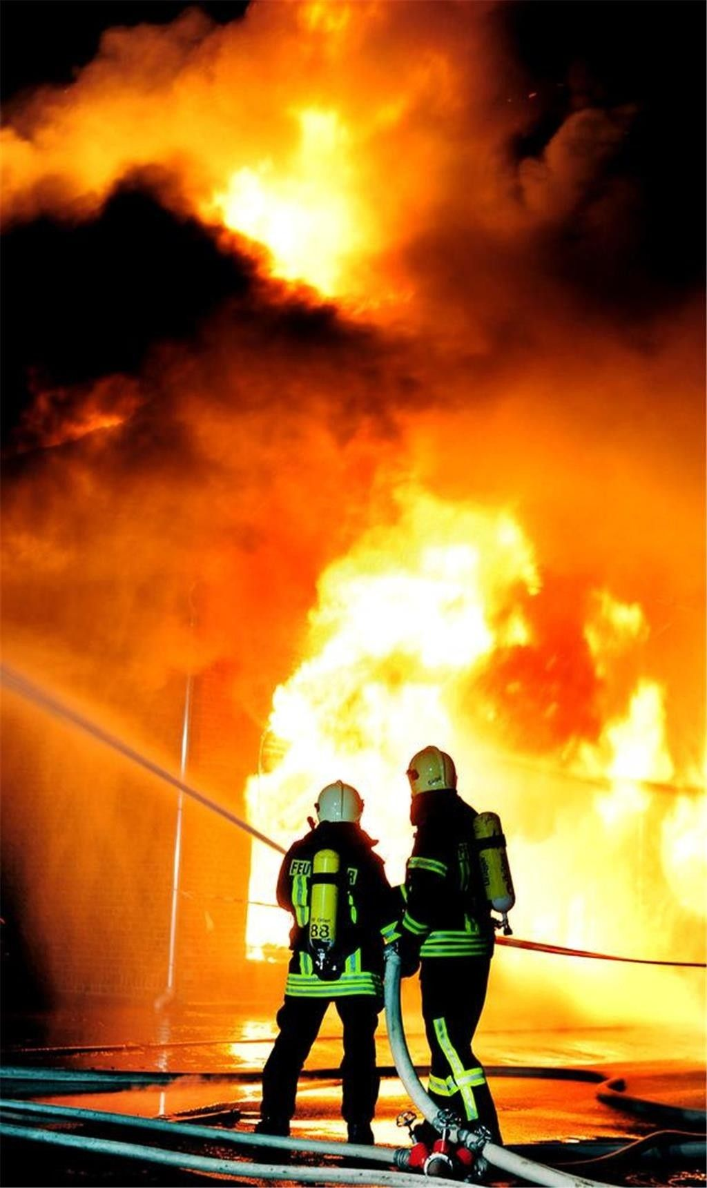 Feuerwehr Feuer 112 Bomberos Einsatz Blaulicht Firefighter Firefighters Firedepartment Feuerwehrmann Pompi Feuerwehr Feuerwehr Notruf Feuerwehrmann
