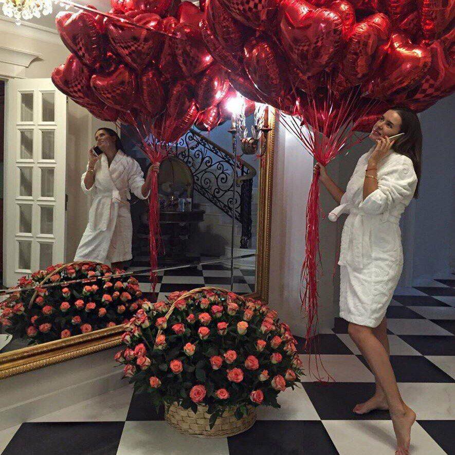 картинка букет роз и много воздушных шариков легинсы совсем