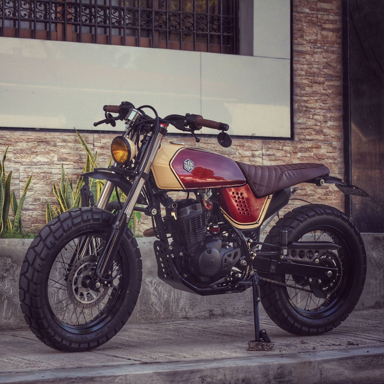 Pin by John Griffiths on Bikes and gear | Pinterest | Street tracker ...