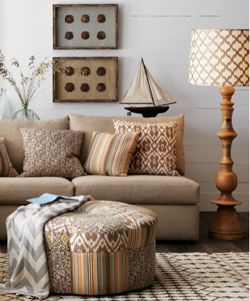 Jamie S Turned Wood Floor Lamp Is Just Right In A Beachside Cottage