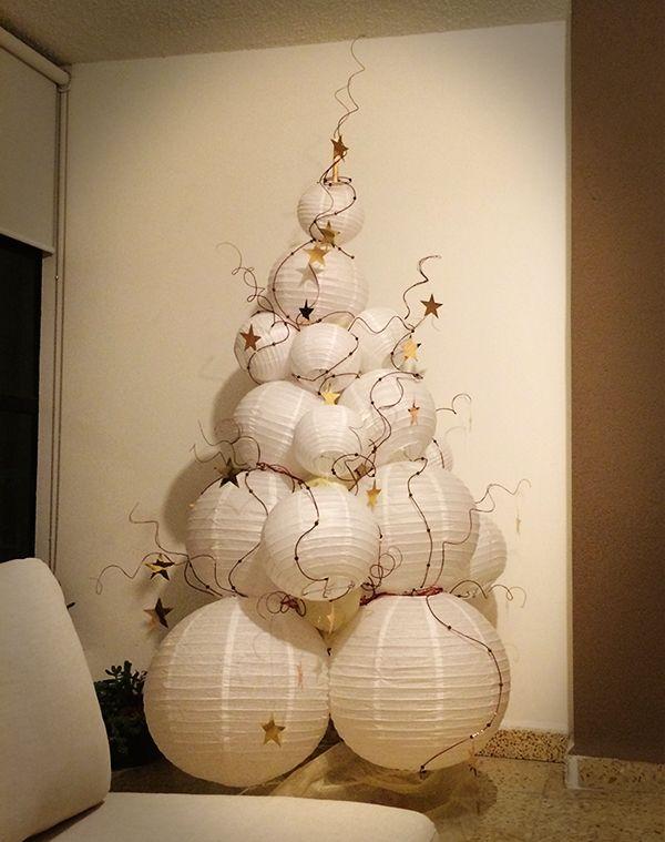 White Round Paper Lanterns Christmas Tree With Stars Original Design Diy Katt Miguel White Paper Lanterns Round Paper Lanterns Paper Lanterns