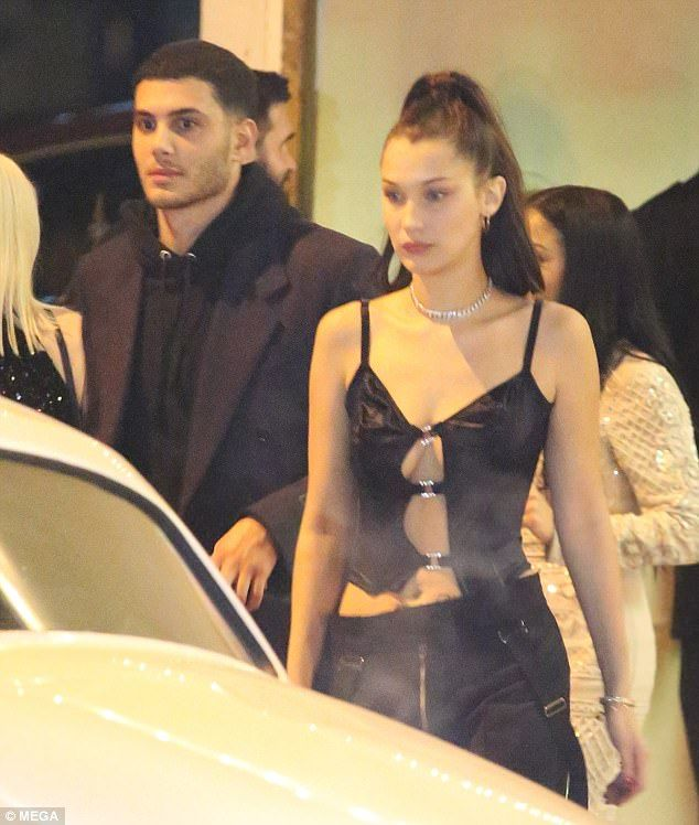 Kendall Jenner flashes her abs for NYE bash – WhoRunTheWorld♀️