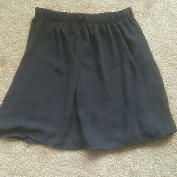 Brandy Melville skirt Black brandy skirt. Very versatile Brandy Melville Skirts Circle & Skater
