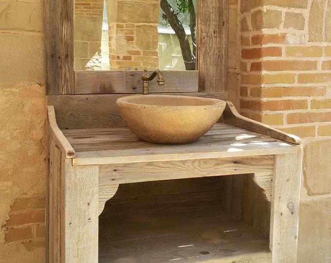 Mobili bagno realizzati con legno pallet riciclaggio con lavabo ad imitazione di pietra e - Mobili con legno riciclato ...