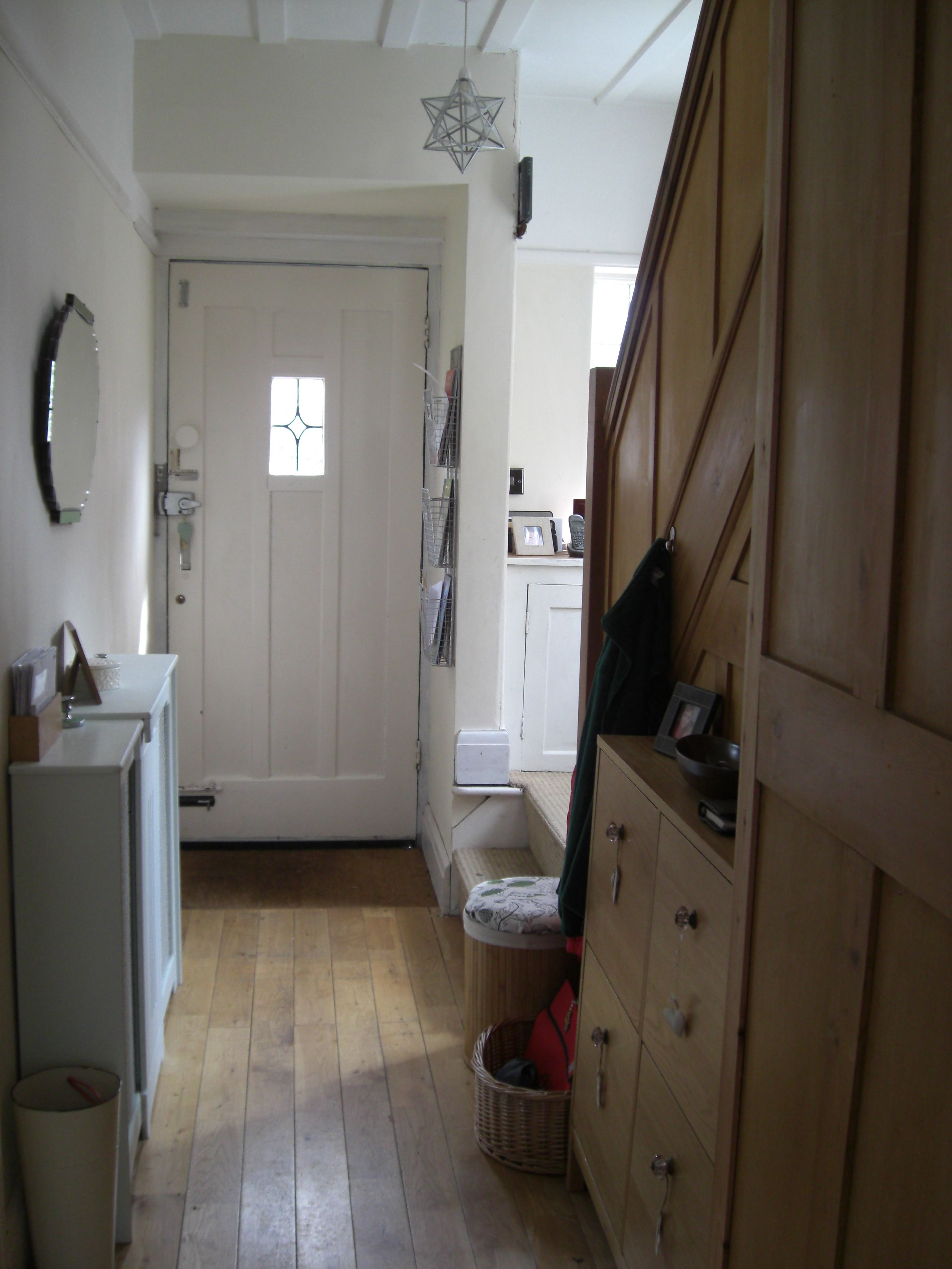 small hallway decorating ideas and tricks for warm feel http