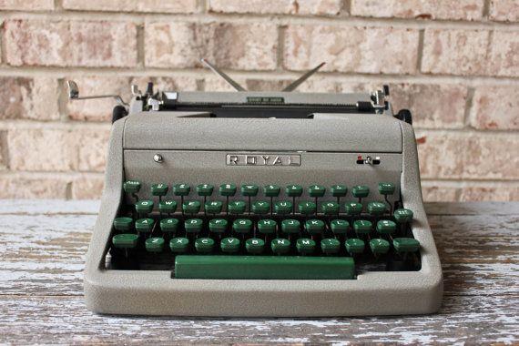 (1950's) royal aristocrat typewriter  #1950s #royaltypewriter #aristocrat #vintage #vintagetypewriter #typewriter