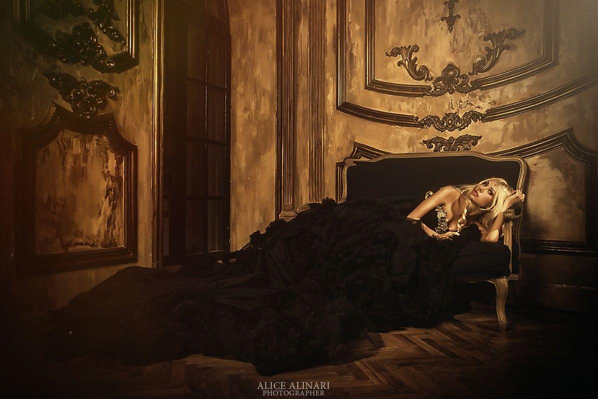 Viktoria Byalice Alinari Painting Art Alice