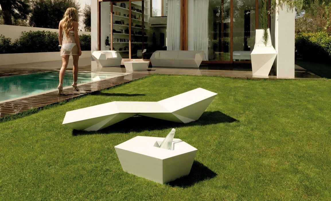 tumbona de diseño faz - vondom - tumbonas piscina - muebles de